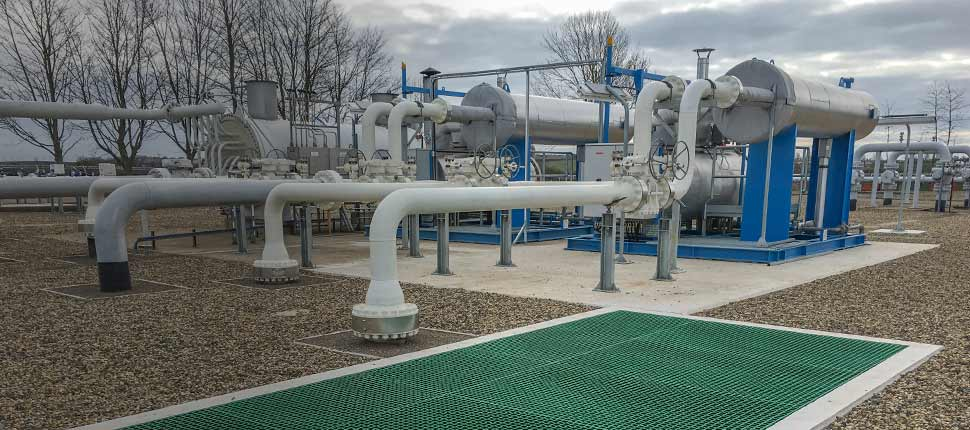 Gas pre-heater construction